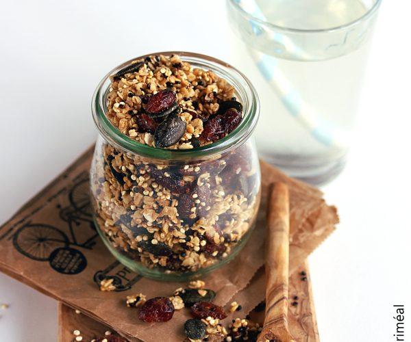 Granola aux 2 quinoa et cranberries