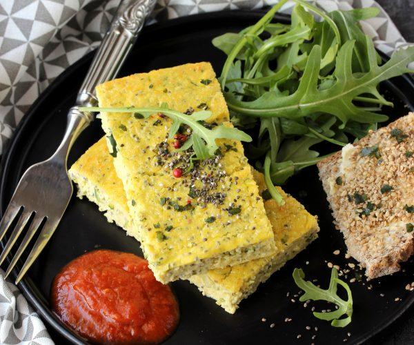 Frittata de courgette et graine de chia, tartine au gomasio